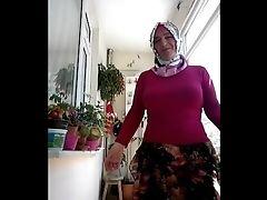 Turkish Granny In Fledgling Vid