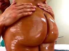 Blonde Katja Kassin With Delicious Big Donk Takes Off Her
