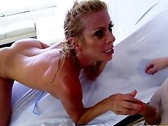 Hypnotizing Alexis Fawx Looks Awesome While She's Railing The Woo!