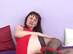 Deviant Cougar Tracey Gets Pounded With Two Fat Shafts