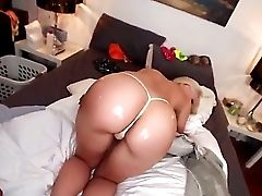 Bubble Butt Blonde Anikka Albrite Is Ready For Act