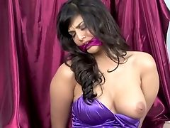 Tied Up And Eyes Covered Sunny Leone Flashes Her Stunning Big Boobies