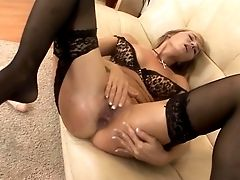 Amazing Mummy Widely Opened Her Rump With A Yam-sized Fuck Stick